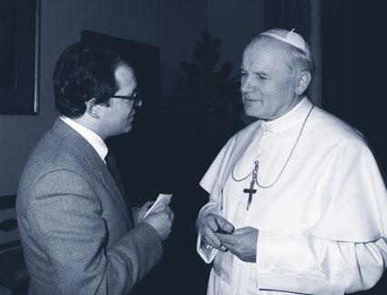 San Giovanni Paolo IIcon il Direttore dell'Associazione E.P.C.Luciano Lincetto.