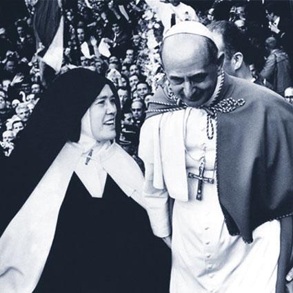 Papa Paolo VI con Suor Lucia, a Fatima.
